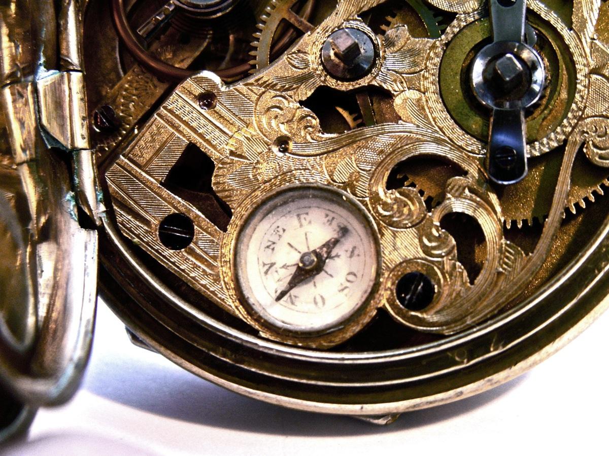 antike taschenuhr mit kompass m i tobias liverpool. Black Bedroom Furniture Sets. Home Design Ideas